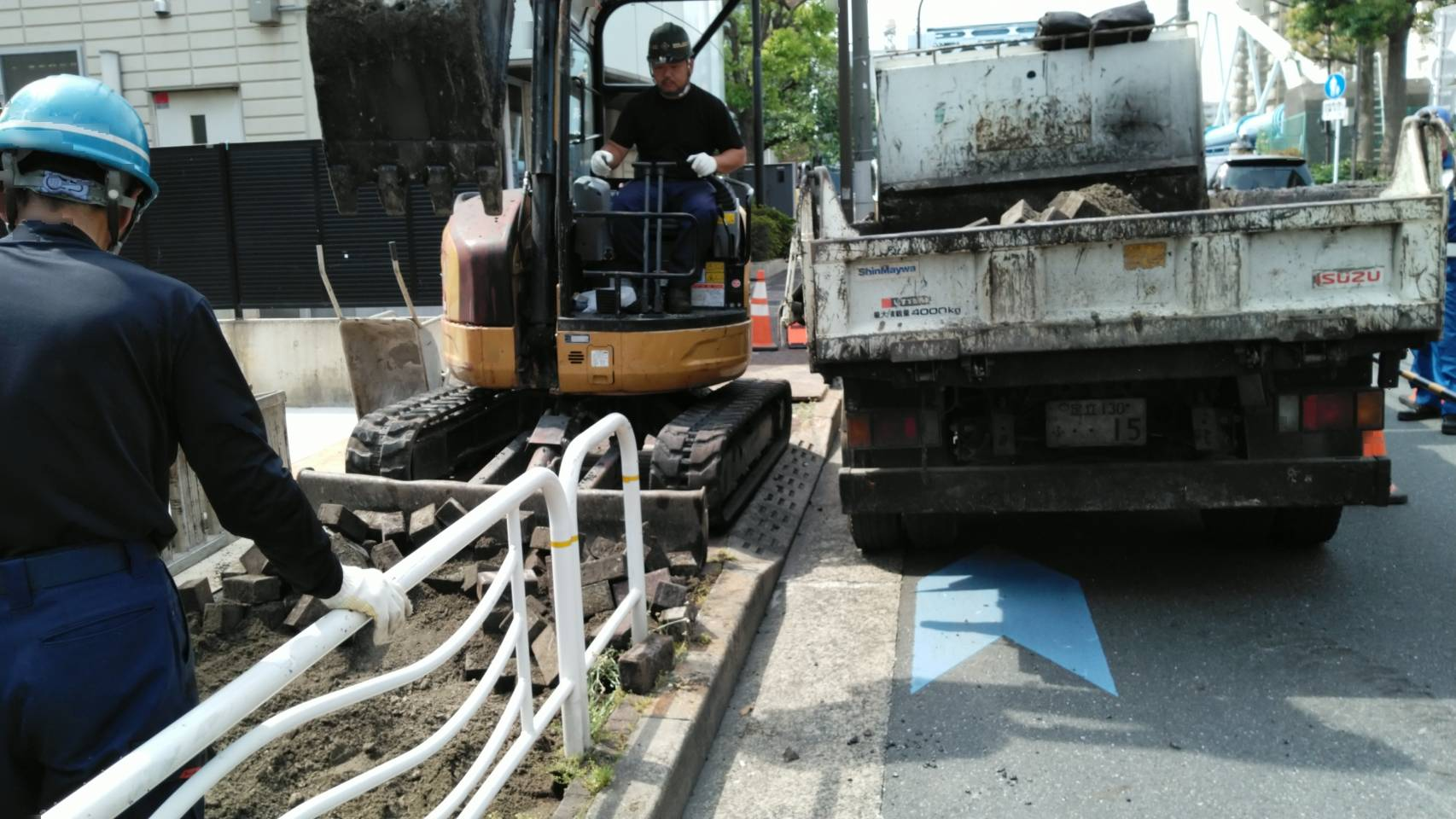 江東区内切り下げ工事及び江戸川区東小松川L形取替工事