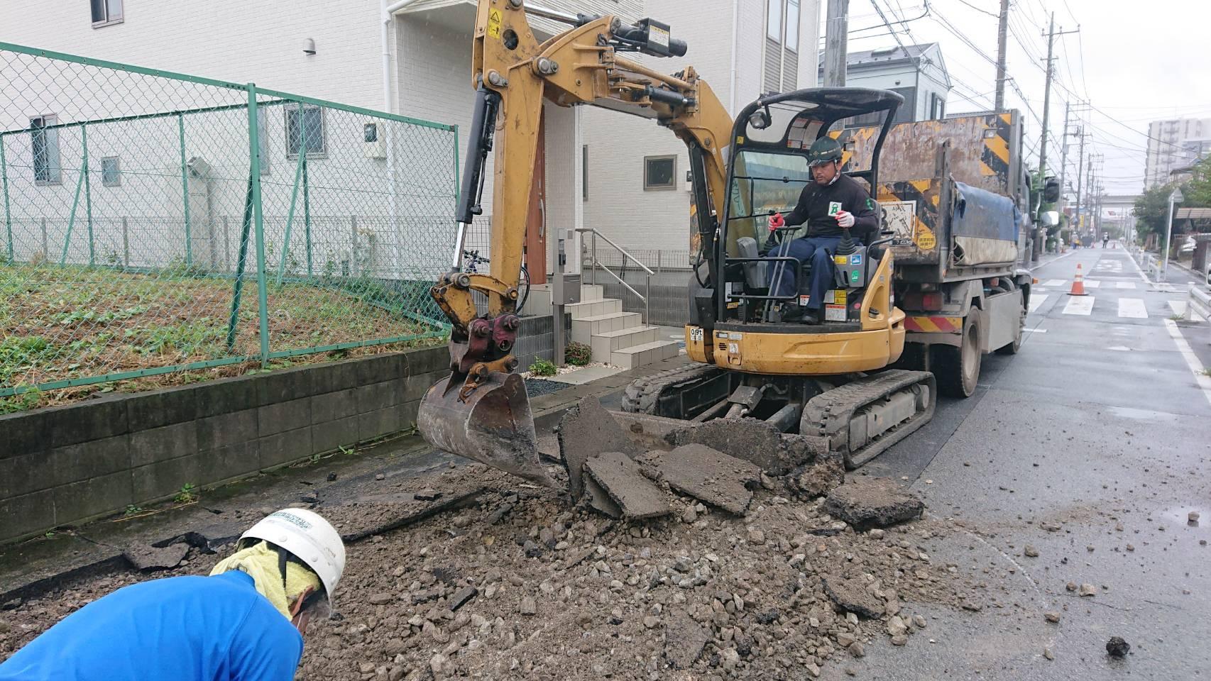 足立区内 舗装打ち換え工事(2日間)