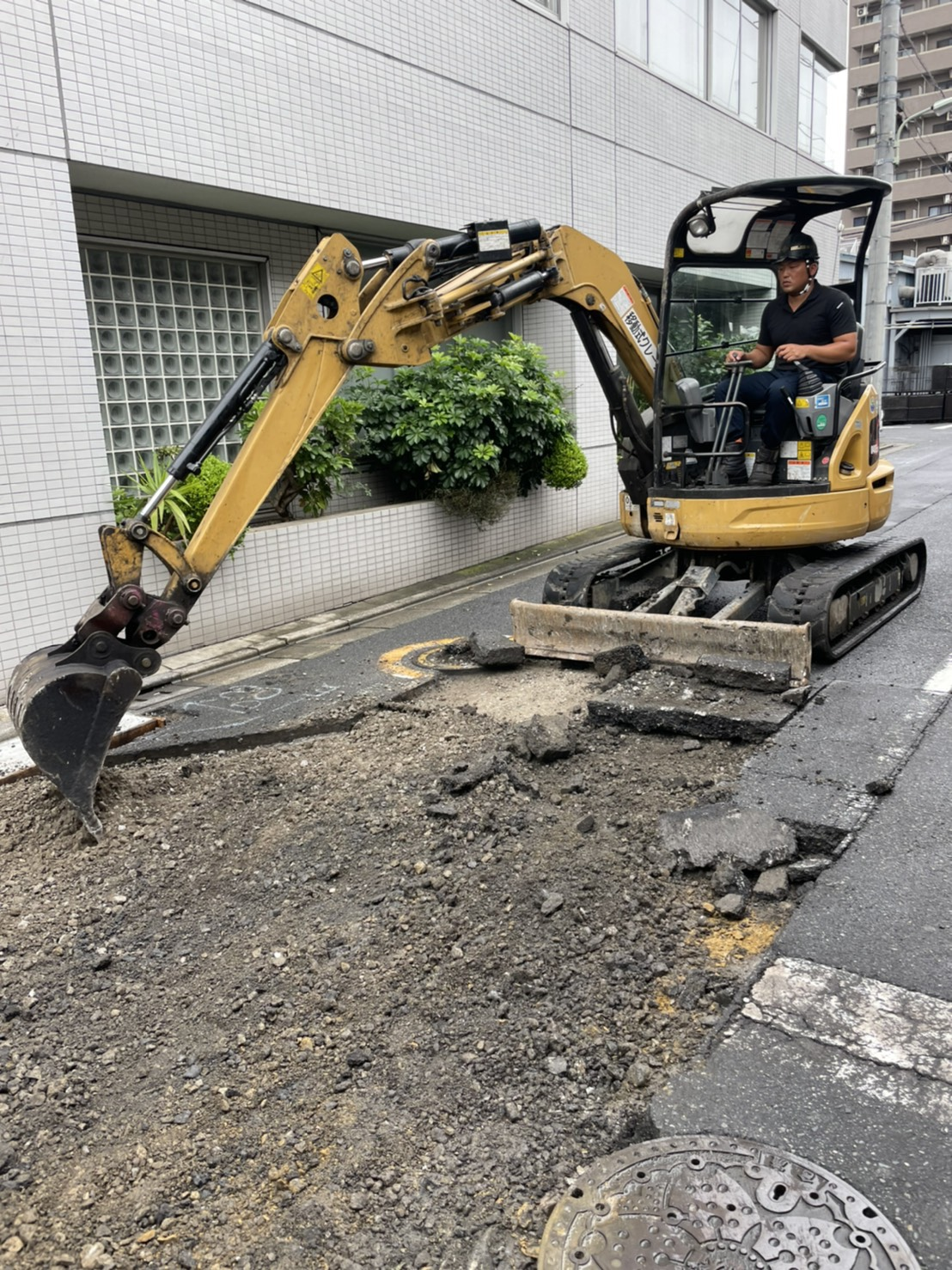 大田区東馬込 車道舗装打換工事(2日目)