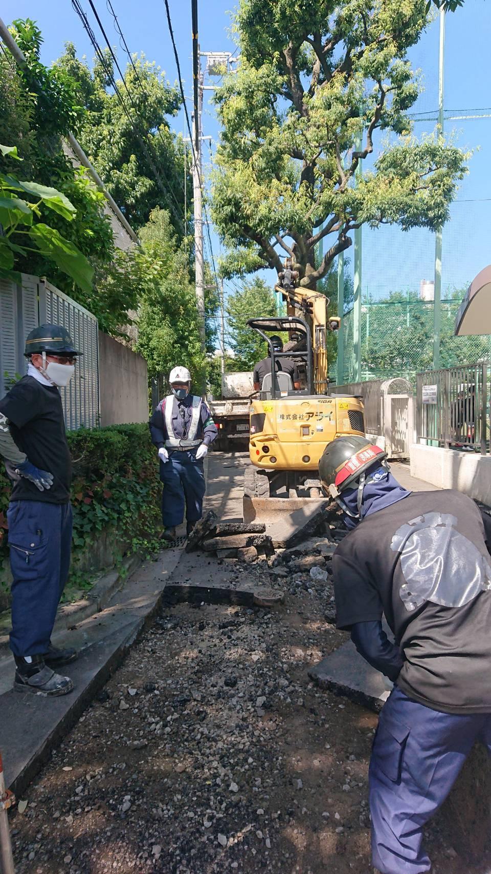 文京区内 車道舗装工事(3日目)