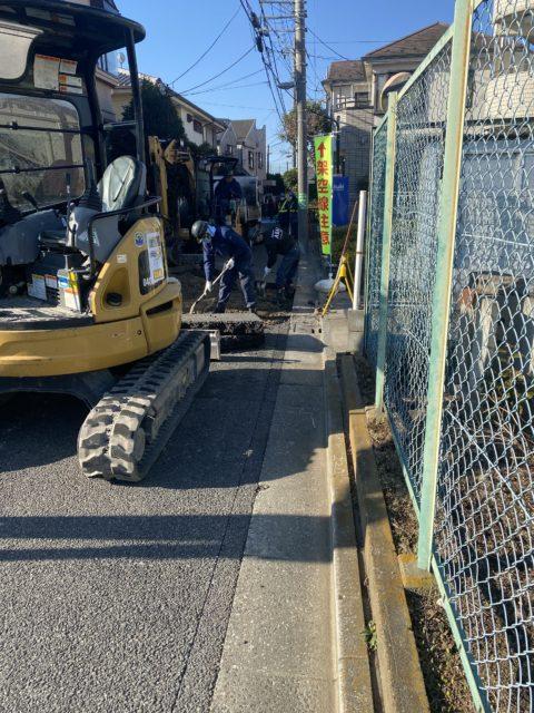 練馬区内 車道舗装工事(2日目)