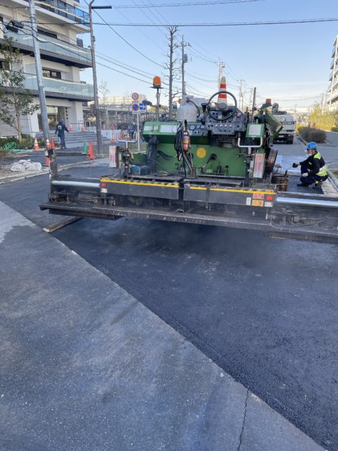 埼玉県草加市内 車道 歩道 駐車場舗装工事
