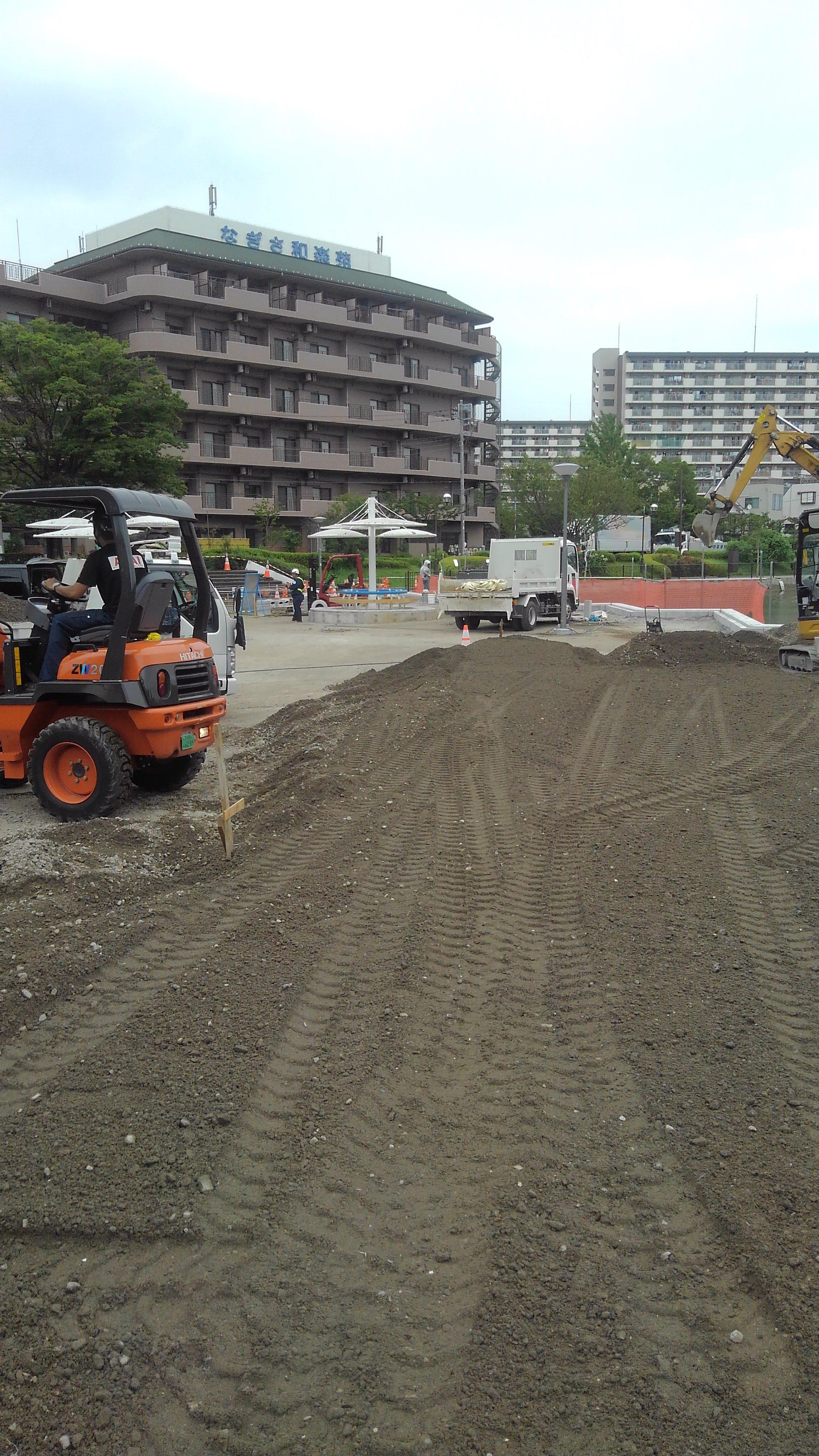 江戸川区臨海町 舗装路盤工事(二日目)