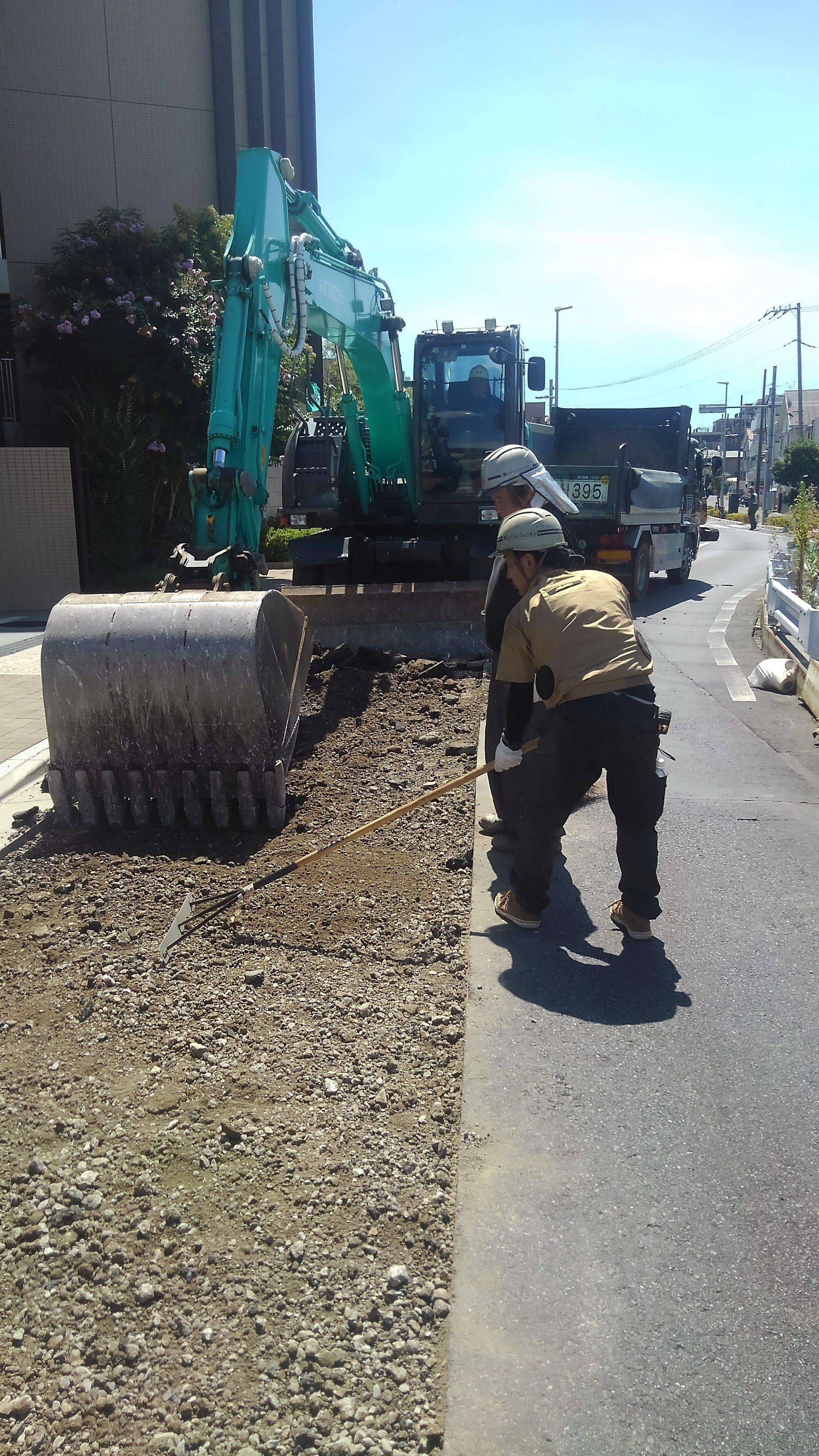 葛飾区高砂 車道舗装工事